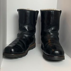 LEATHER BOOTS - UGGS
